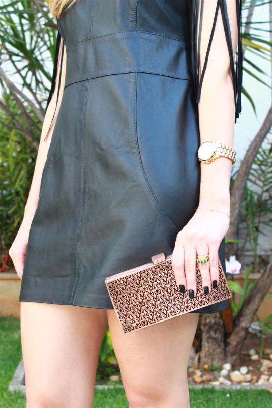 look do dia, look vestido couro, vestido franja, vestido festa, couro, sapato preto,