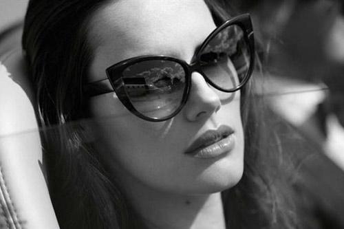 óculos estilo gatinha