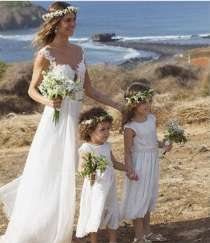 Blog Sarah Leão - Miquéias Madalena - Casamento - Noiva - Guirlanda de flores - Thaila Ayala