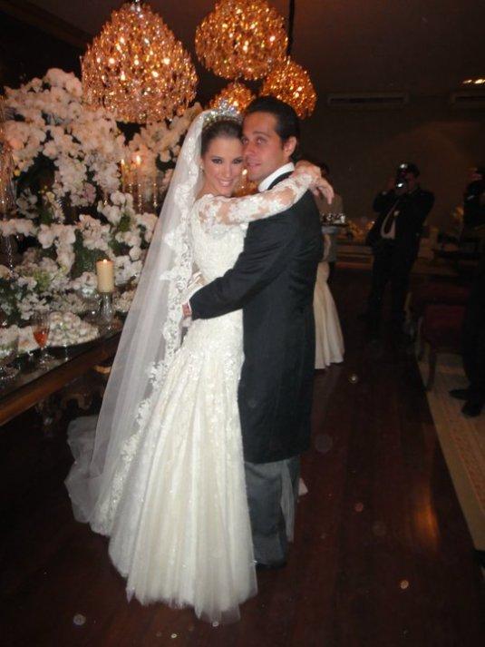 Blog Sarah Leão - Miquéias Madalena - Casamento - Vestido de noiva - Sandro Barros - Lala Rudge - Tamara Gontijo Rudge
