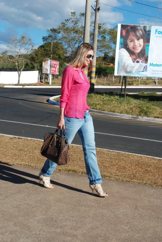 Lookdodia-blogsarahleão-lookdesextafeira-calçaboy-calçadomarido
