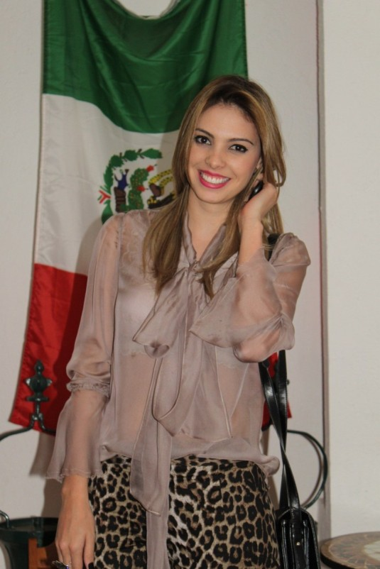 Mëxicali-BlogsarahLeão-dica-Look-camisaseda