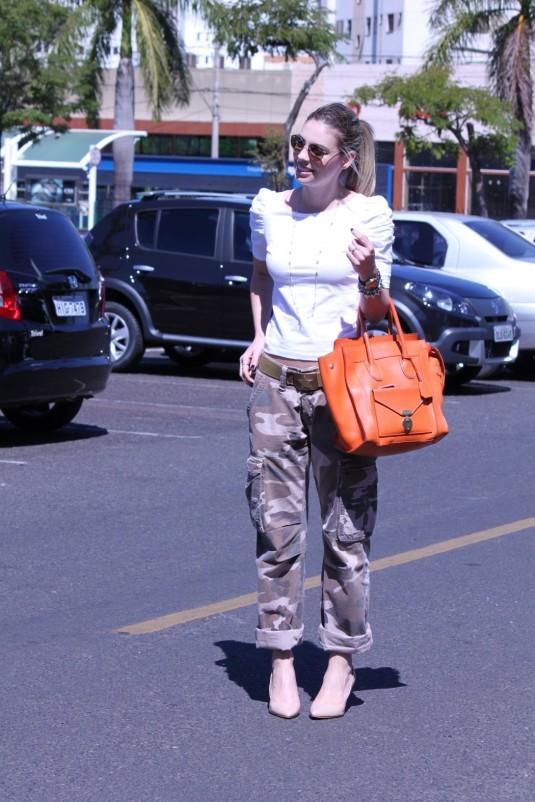 Blogsarahleão-lookdodia-calçacamuflada-calçadomarido