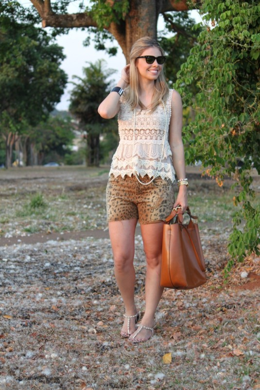 Look do dia- sarah leão- mix de texturas- onça